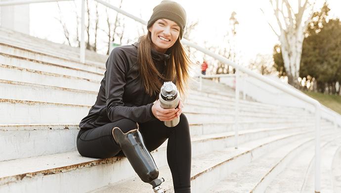 injured-woman-smiling